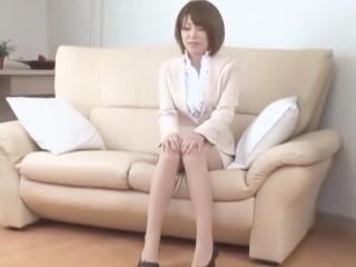 青木莉子(桜まい、片岡さき)
