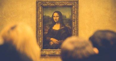 While Art Unites Beauty Transcends Erraticus