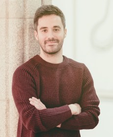 Ernesto Is, dramaturgo