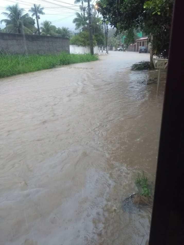Condomínio Santa Paula. | Foto recebida via WhatsApp do ErreJota Notícias.