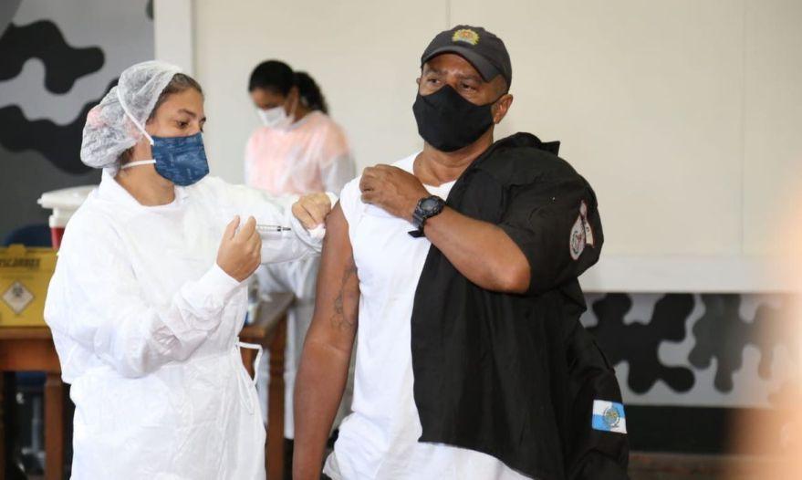 vacinação policial