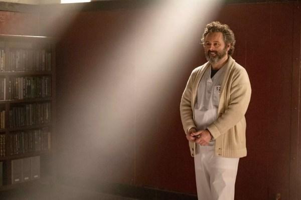 Martin Sheen joue le Dr Whitly, tueur en série brillant mais dérangé