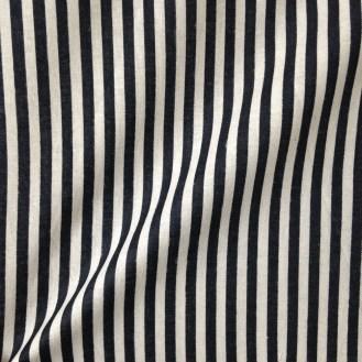 schwarz-weiß-gestreife Webware aus Baumwolle