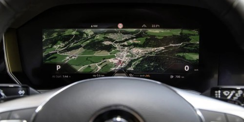small resolution of bosch gets the world s first curved instrument cluster on the road