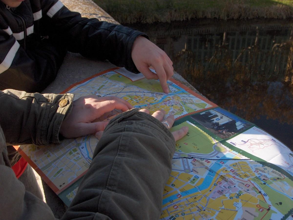 Samen puzzelen met de routekaart in Girona