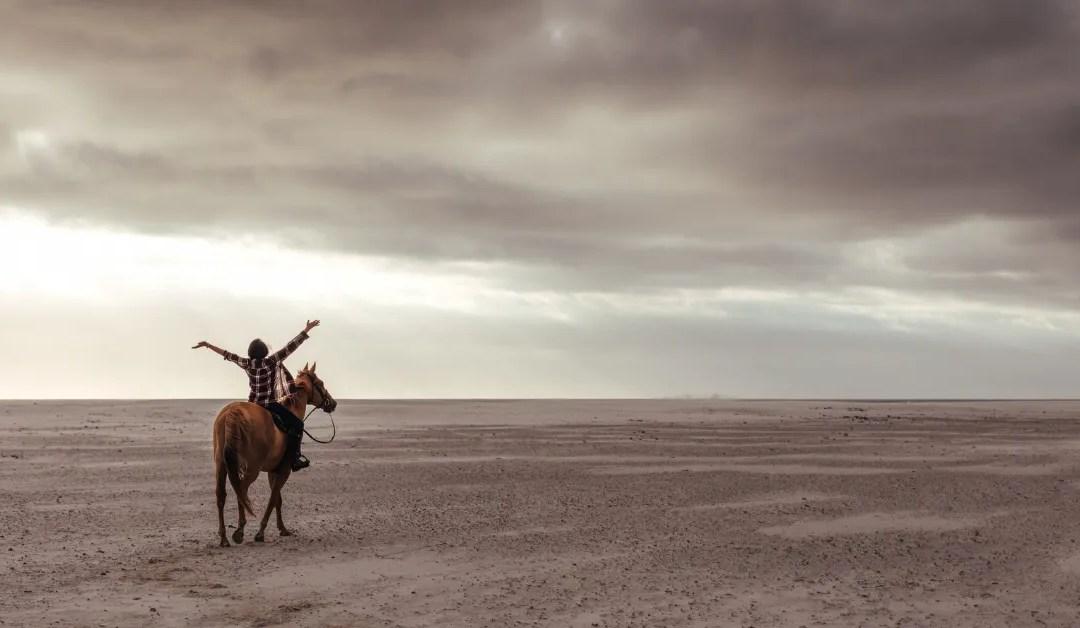 Un paseo de caballo en la playa es terapéutico