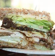 Sandwich met overgebleven Kip