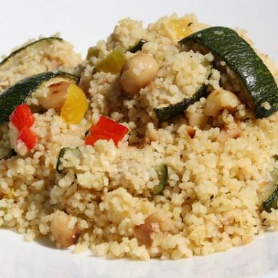 Couscous met hazelnoten en geroosterde paprika recept