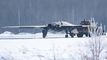 Sukhoi-SU-70-Okhotnik-B-2