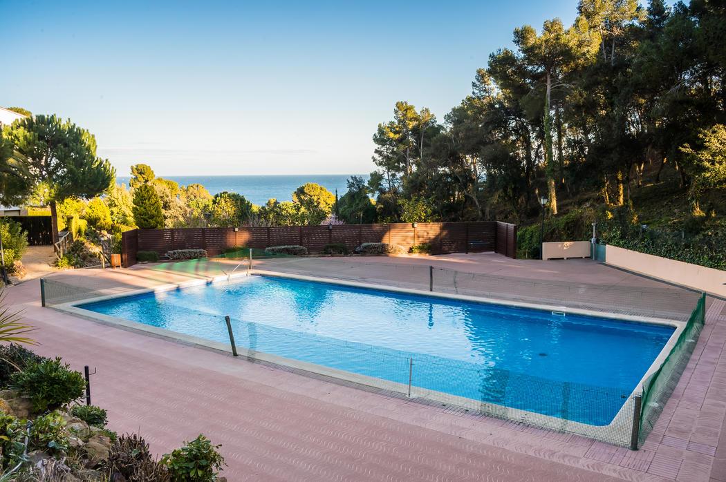 Magníficos apartamentos privados en primera línea de playa en calella de palafrugell, apartamentos amplios y con vistas al mar. Alquiler Apartamento en Calella de Palafrugell - AE-1 ...