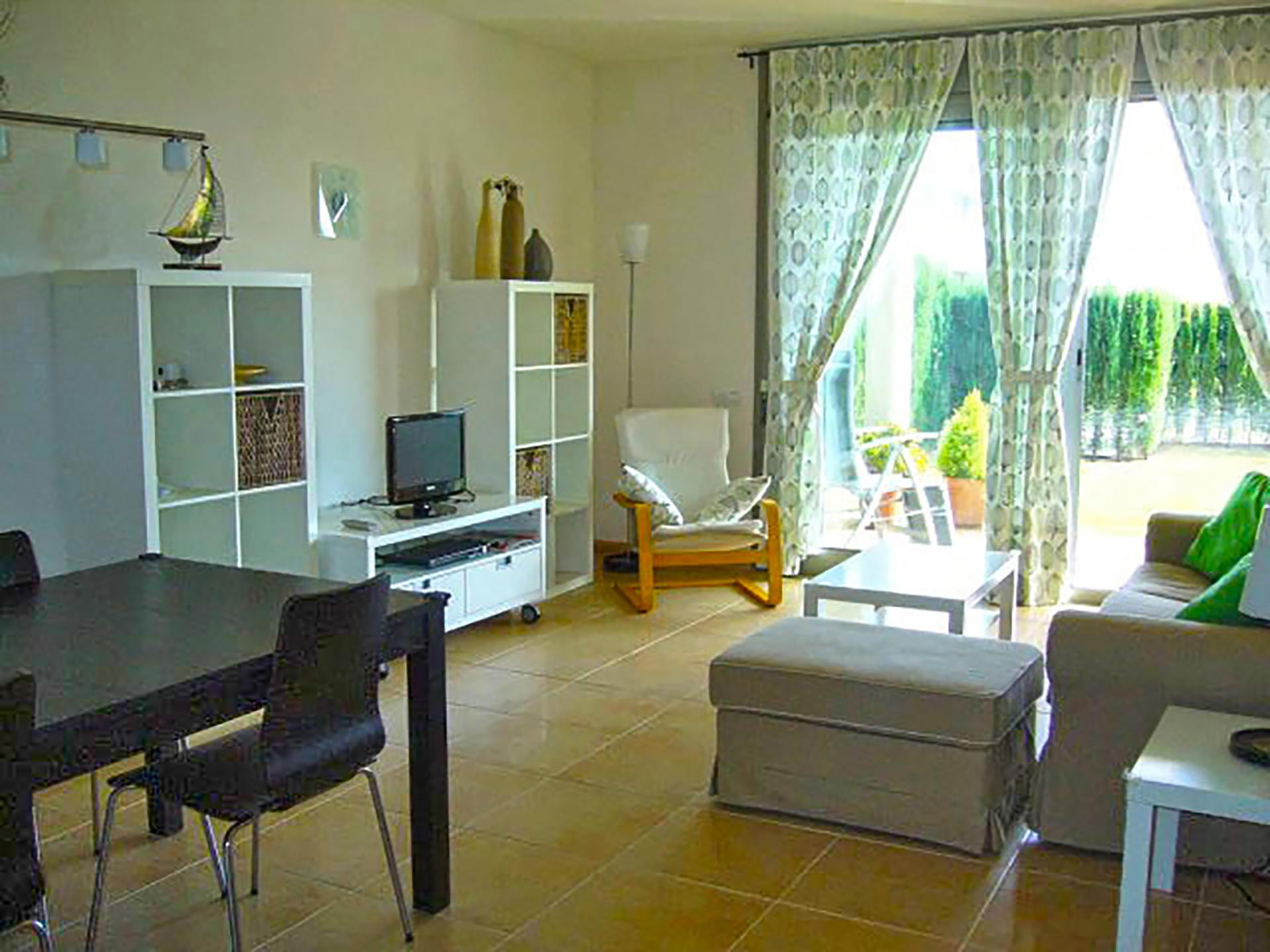 Apartamentos y casas vacacionales desde 31€/noche. Alquiler Apartamento en L´AMPOLLA - VIENA O (Ref. APT 03 ...
