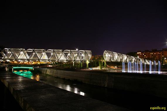 Unas fotos nocturnas del Puente y del Parque de la Arganzuela