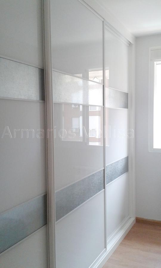 Foto Armario Empotrado Tres Puertas Correderas de