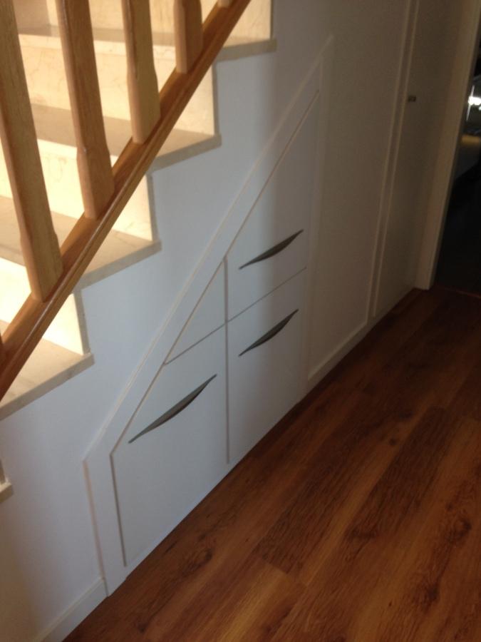 Foto Mueble a Medida para Hueco de Debajo de Escalera de
