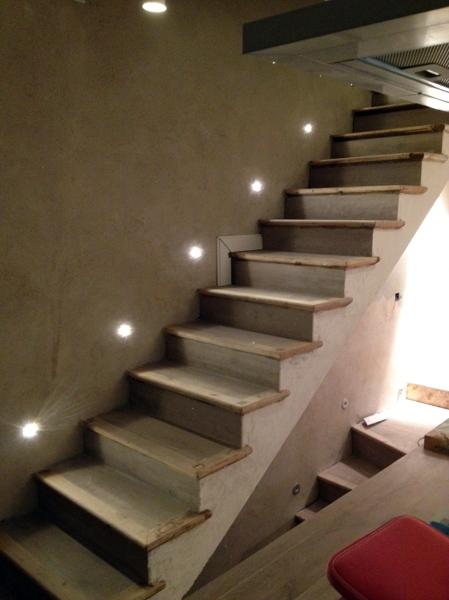 Foto Iluminacin de Escalera Luces de Led y con Perfiles