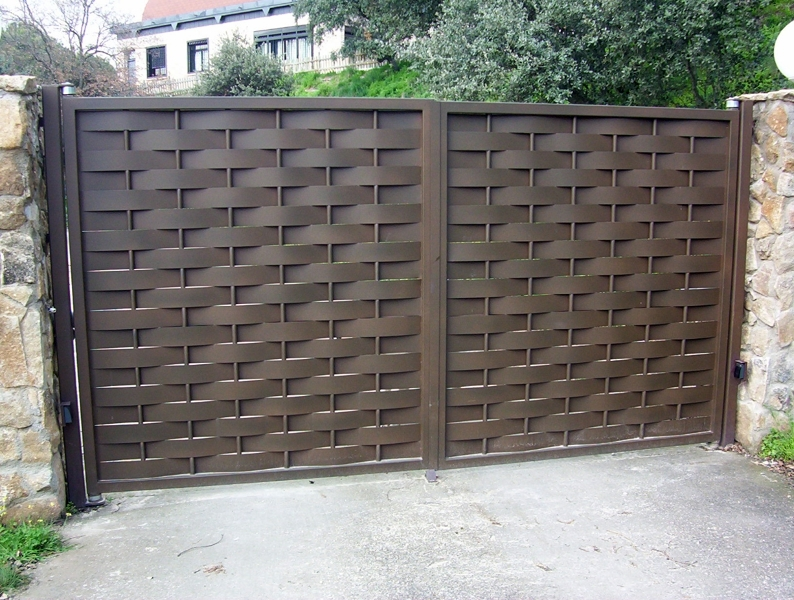 Foto Puertas de Chapa Ondulada de Alvarado Talleres