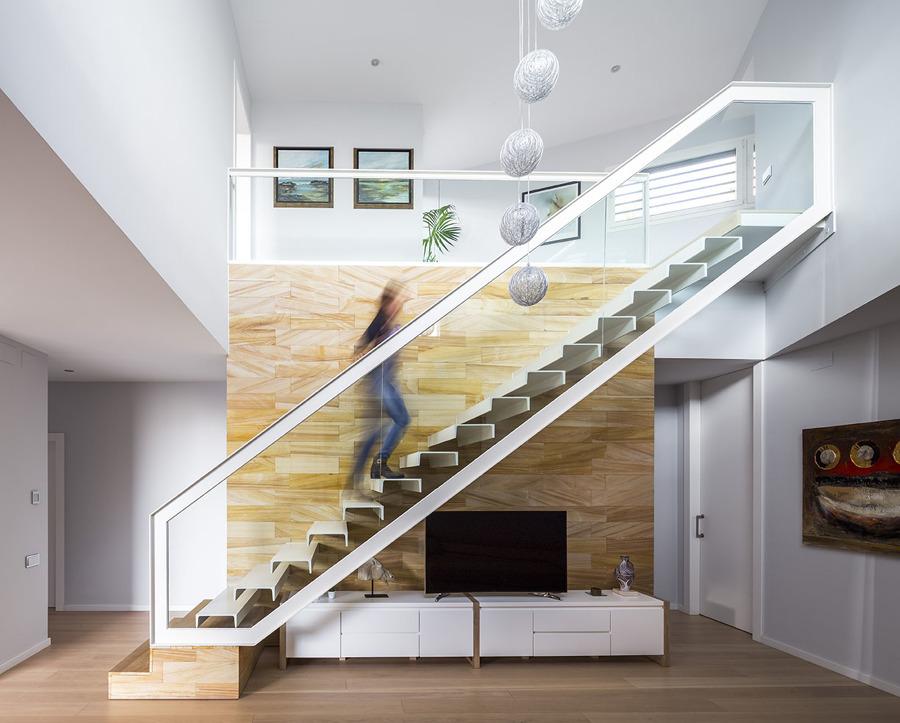 Foto Escalera Volada de 08023 ArchitectureDesignIdeas