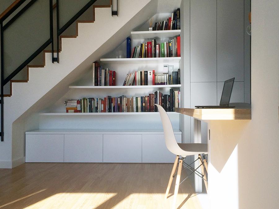 Foto Vista del Mueble a Medida bajo la Escalera de La