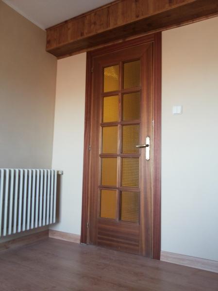 Foto Puerta del Salon con Jambas Pegadas de Judevi 1074253  Habitissimo