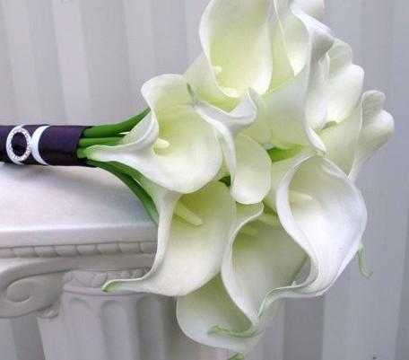 Ramo novia con lilas blancas  Handspire