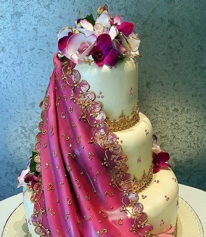 Tarta boda con flores lilas y violetas  Handspire