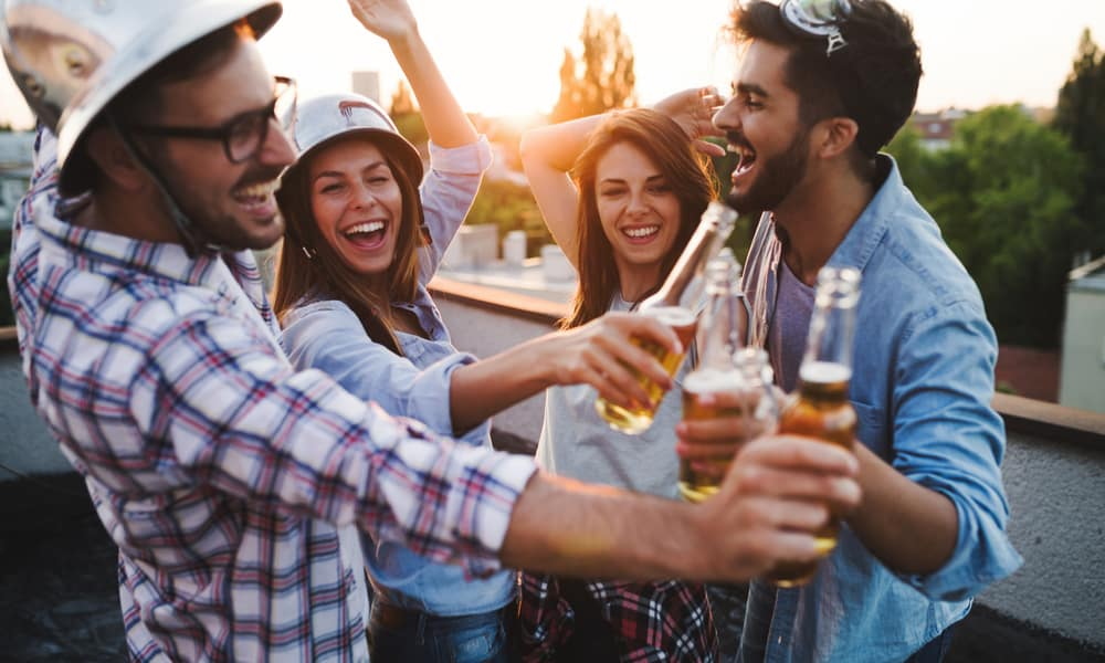 Expert Says Dating Apps Threaten Craft Beer Industry More Than Legal Cannabis