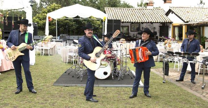 Los Tucanes de Tijuana cantarán el tema de la telenovela 'Señora Acero' de Telemundo