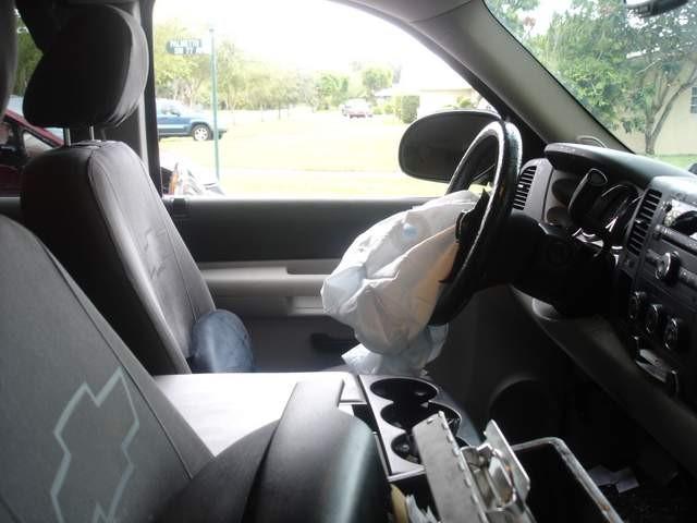 el airbag se desplegó en la camioneta