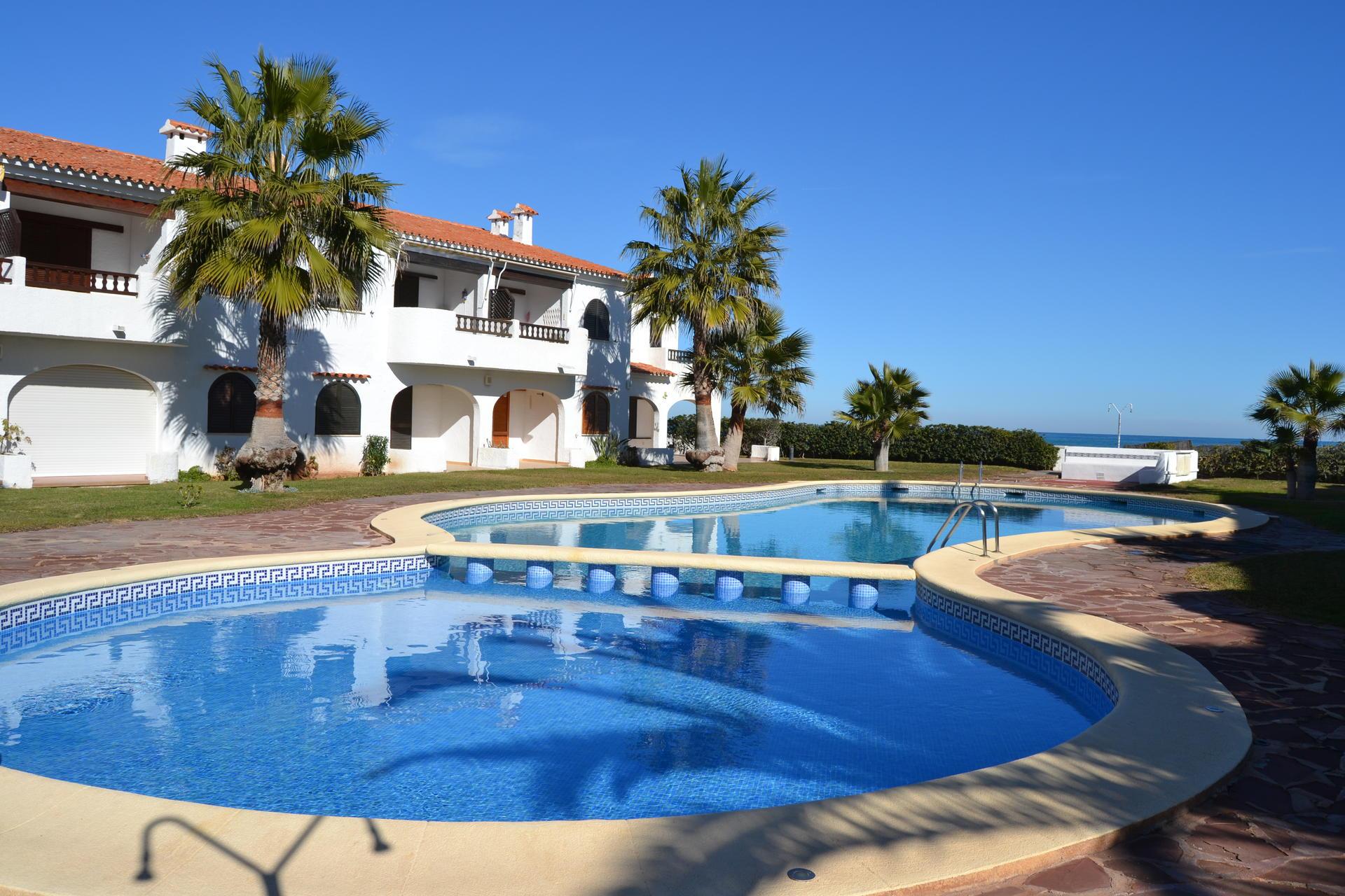 El sol es un chalet de estilo. Alquiler Apartamento en Denia - Ref. NP C2 - Playa Las Deveses