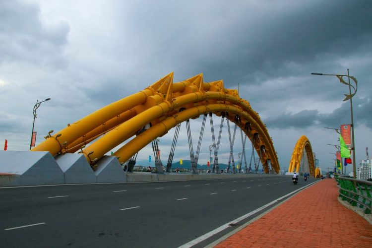 dragon-bridge-danang-vietnam