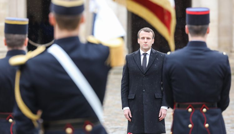 Francia rinde tributo al gendarme francés asesinado