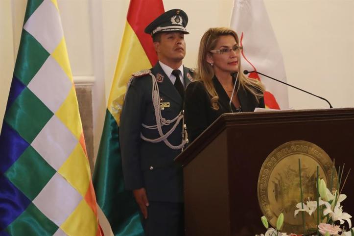 Resultado de imagen para expulsan cubanos de bolivia