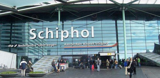 Cubanos de la comunidad LGBTI quedan varados en aeropuerto de Ámsterdam tras pedir asilo