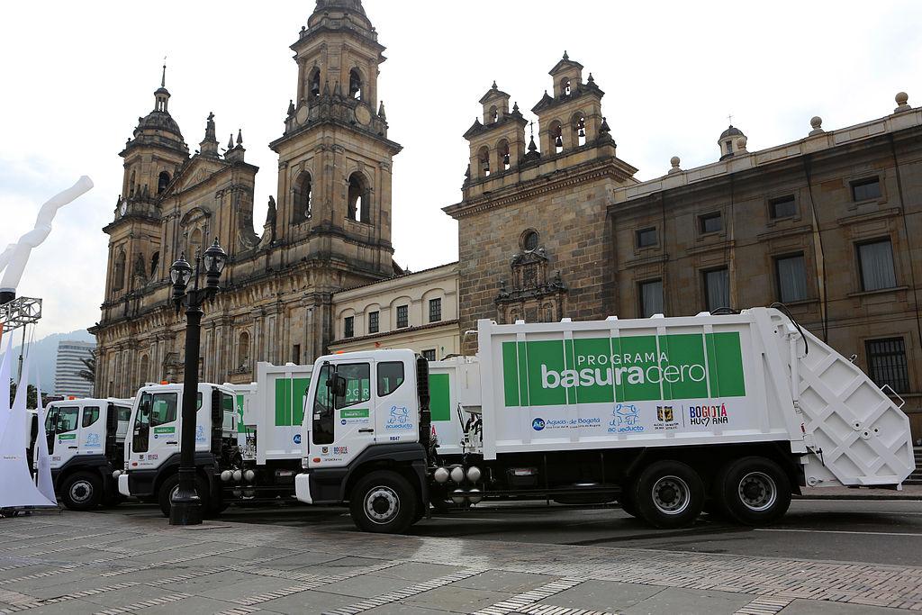 Debido a la crisis de las basuras, los opositores están de plácemes y los ciudadanos del común desesperados. Esta es la receta del desastre. (WikiMedia)