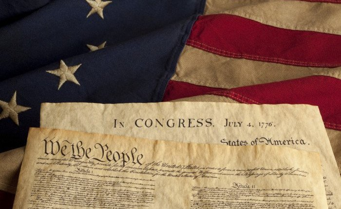 declaration-independence-constitution-e1402153867405