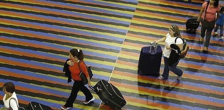 Viajeros en Venezuela tienen ahora más limitaciones que nunca para salir de su país (BienDateao)