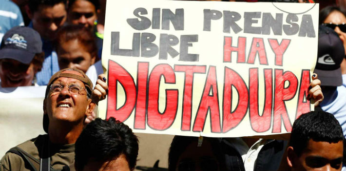 Presiones desembozadas y encubiertas amenazan a medios venezolanos.