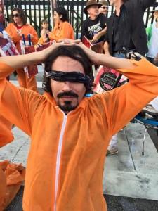 Aproximadamente 75 activistas pidieron el inmediato cierre de Guantánamo. (Facebook)