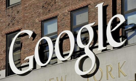 Vista del logotipo de Google en la sede de su empresa en Nueva York (Estados Unidos). EFE/Justin Lane