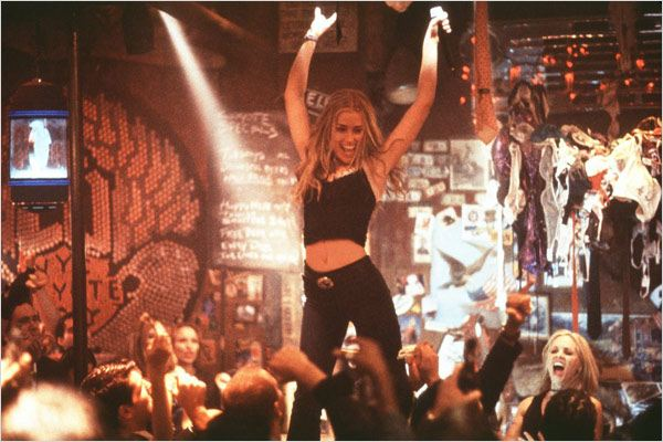 El Bar Coyote : foto David McNally, Piper Perabo