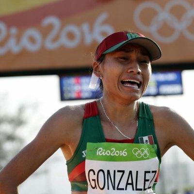 #VueltasDelDestino: Lupita González quería ser boxeadora y llegó a la marcha por una lesión