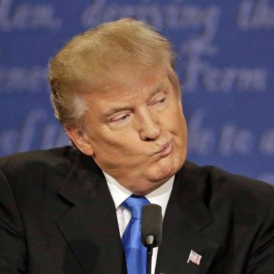 #Embustero: Presionado por las críticas, Trump busca a un latino para su gabinete