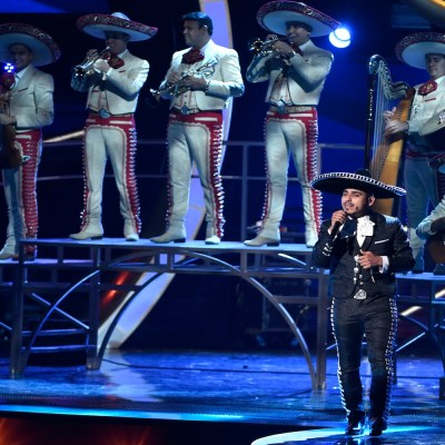 Espinoza Paz and the Mariachi Sol De Mexico, perform