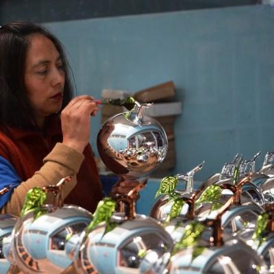 http://inah.gob.mx/es/boletines/5808-chignahuapan-puebla-cautiva-al-mundo-con-coloridas-esferas