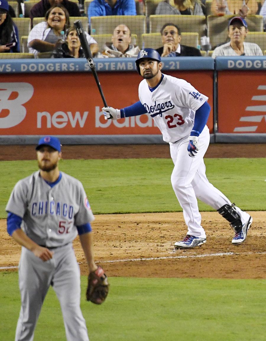 Adrián González, primera base de los Dodgers de Los Ángeles