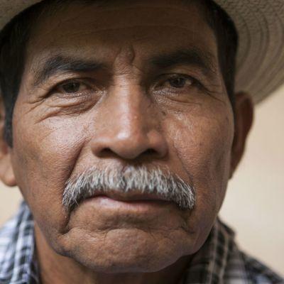 El indígena Rodrigo Tot recibe premio por defender a su tierra ancestral
