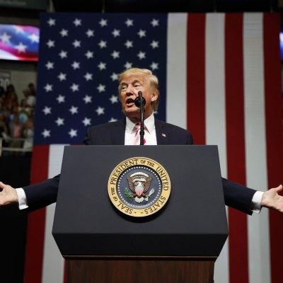 Trump incluye a Venezuela entre los países con restricciones de viaje