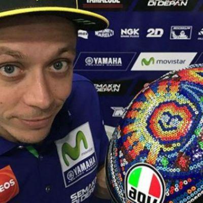 El nuevo casco de Valentino Rossi, inspirado en el arte huichol