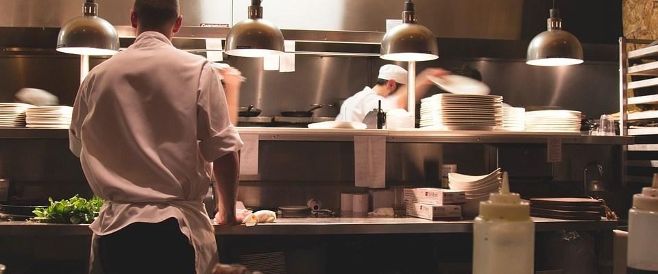 #Aguas: Trump ahora va por las propinas de los meseros en los restaurantes