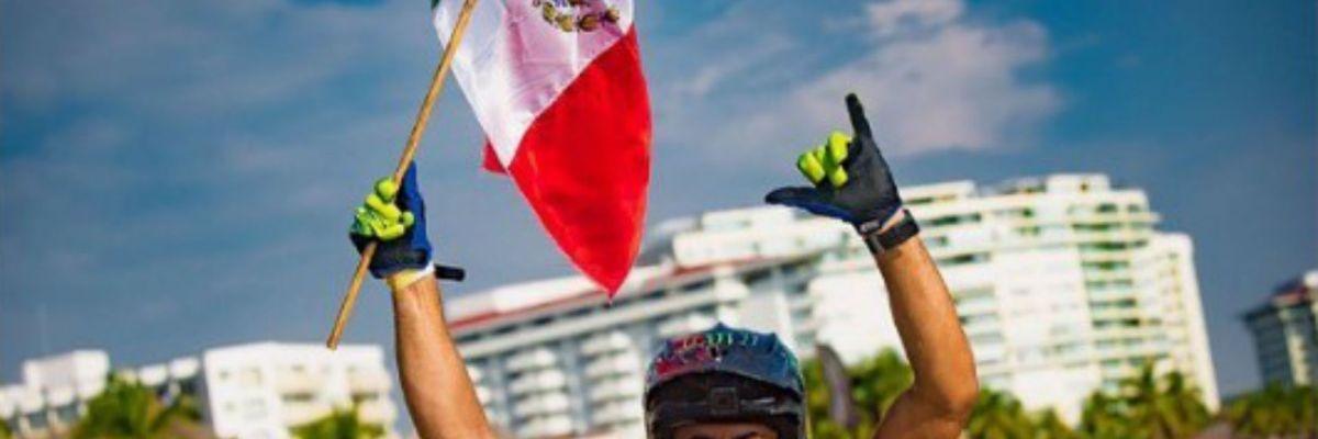 Abraham Hochstrasser - Mexicano se convierte en bicampeón mundial de moto acuática